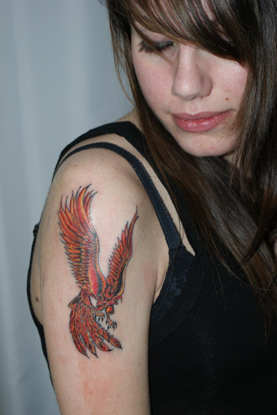 tatouages oiseau phoenix tattoo pictures to pin on. Black Bedroom Furniture Sets. Home Design Ideas