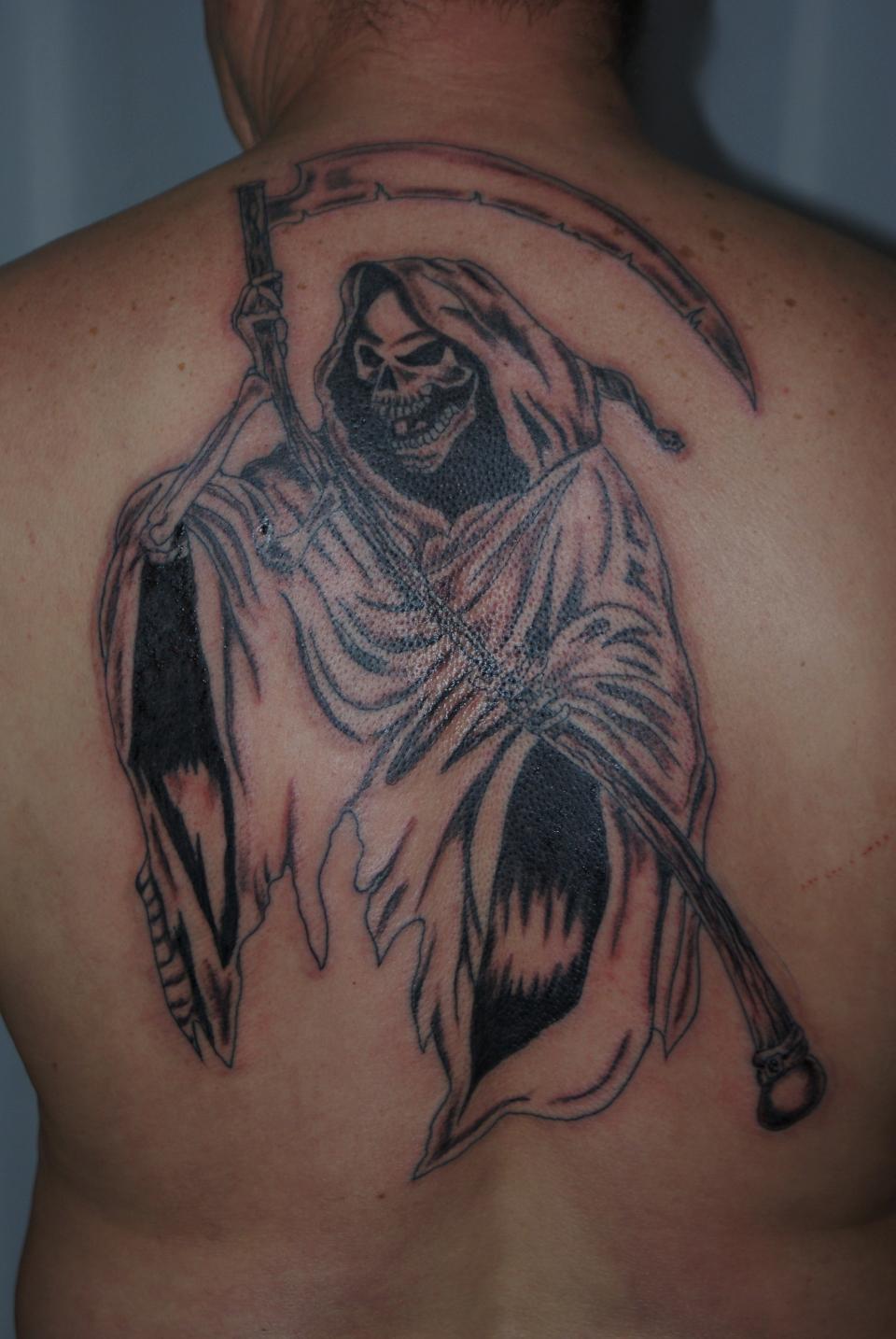 Tattoo volution serge tatoueur pierceur depuis plus - Tatouage la mort ...
